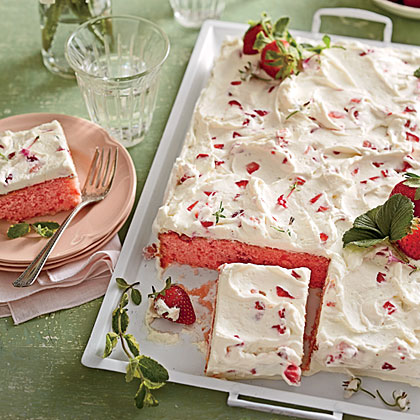 strawberries-cream-sheet-cake-sl-x